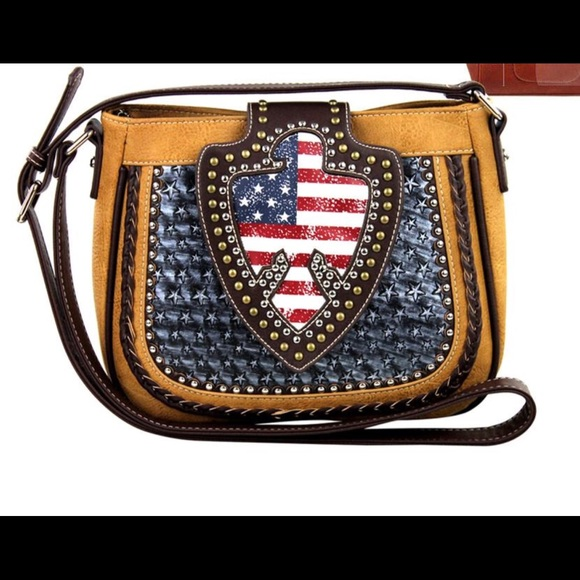 Montana West Handbags - Montana West USA Messenger Crossbody Bag